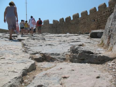 acropolis-of-lindos-02
